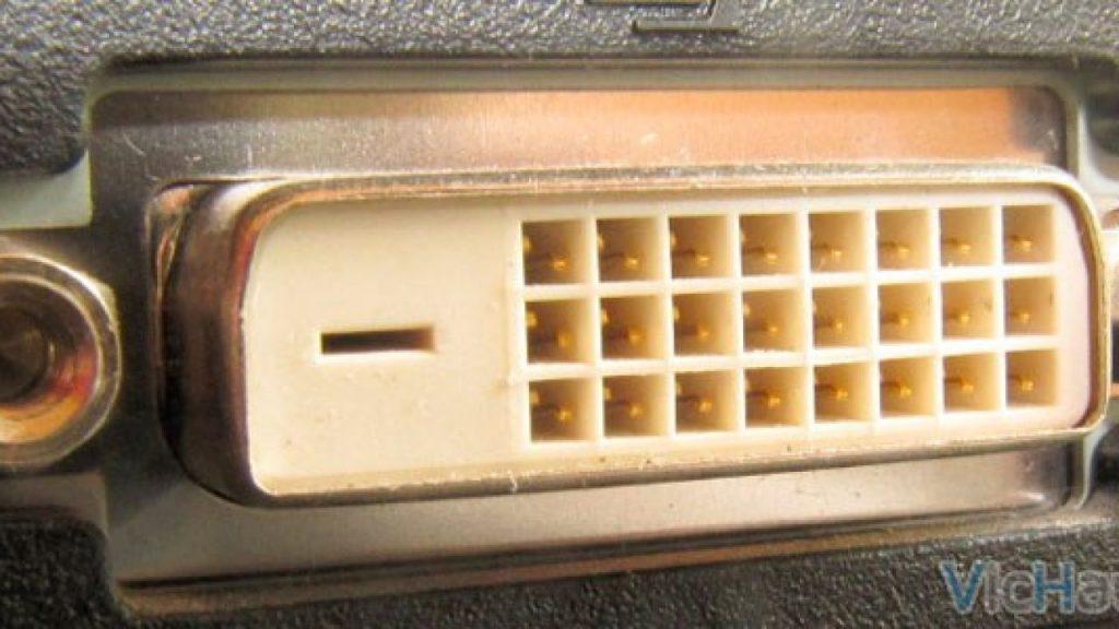 Conector de video interface (DVI)