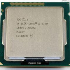 Intel Core i7 es una familia de procesadores de cuatro núcleos de la arquitectura Intel x86-64. Los Core i7 son los primeros procesadores que usan la microarquitectura Nehalem de Intel y es el sucesor de la familia Intel Core 2. FSB es reemplazado por la interfaz QuickPath en i7 e i5 (zócalo 1366), y sustituido a su vez en i7, i5 e i3 (zócalo 1156) por el DMI eliminado el northBrige e implementando puertos PCI Express directamente. Memoria de tres canales (ancho de datos de 192 bits): cada canal puede soportar una o dos memorias DIMM DDR3.